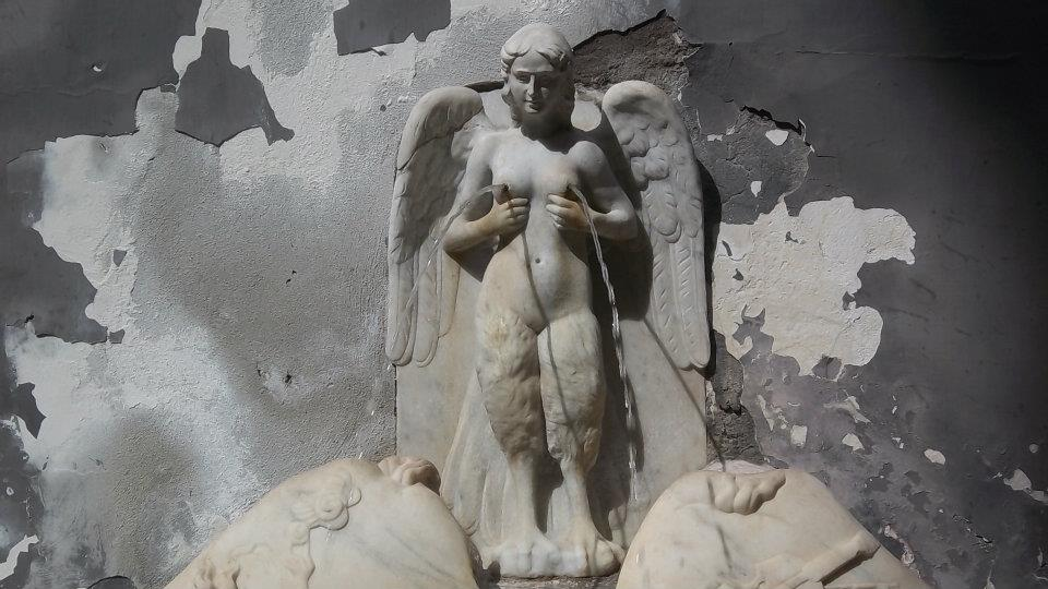 partenope-sirena-alata-fontana-napoli